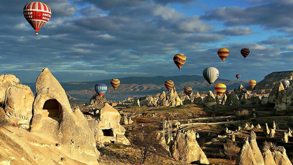 Cappadocia-hot-air-balloons-turkey