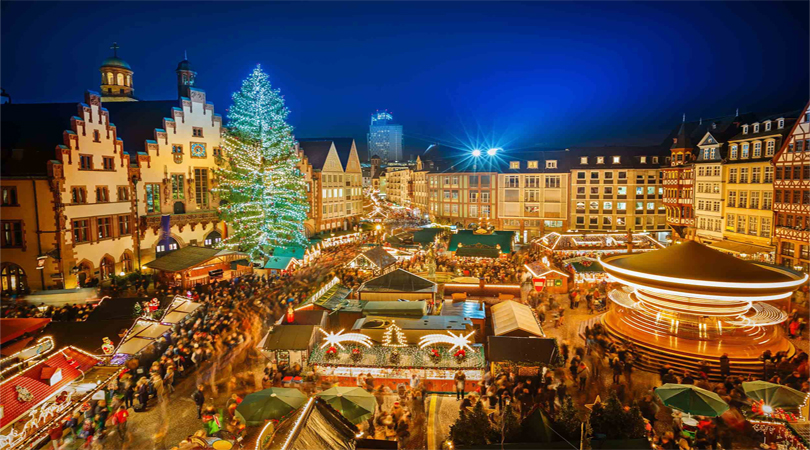 christmas market at rathaus