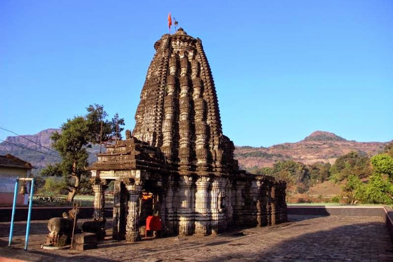 Amruteshwar-Temple-Ratanwadi-Ahmednagar-12