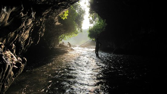 robbers-cave-1